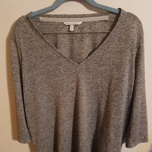 Victoria Secret Top Quarter length Sleeve Small